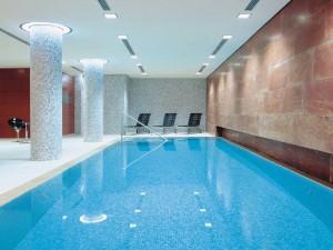 Splash-Pool-of-o-Radisson-Blu-Berlin-Hotel